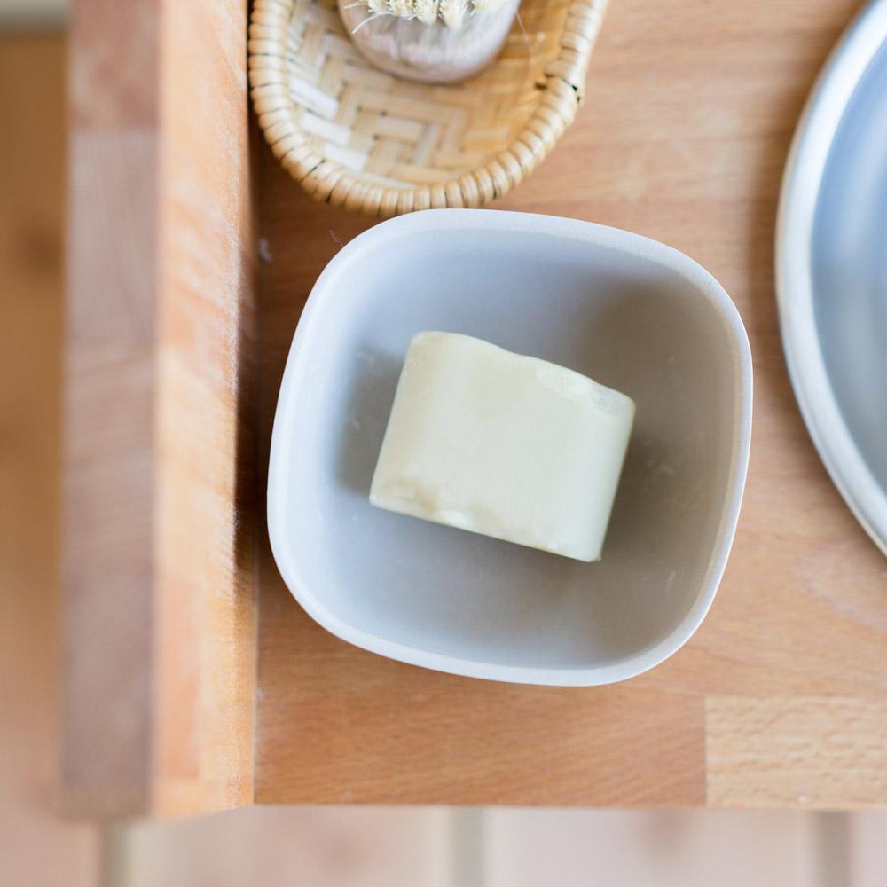 DIY Waschtisch nach Montessori chezmamapoule.com, Seife