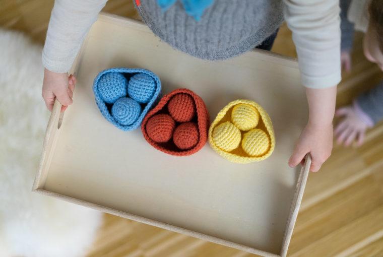 Kinder Farben lernen DIY Montessori chezmamapoule.com
