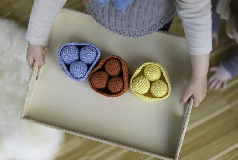 Spielidee-Farben-lernen-Montessori-Mamablog-Chez-Mama-Poule