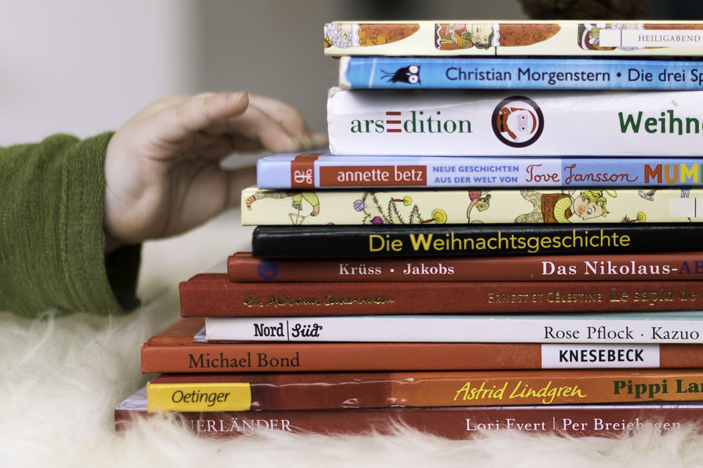 Bilderbücher über Weihnachten Mamablog Chez Mama Poule, Bücherstapel