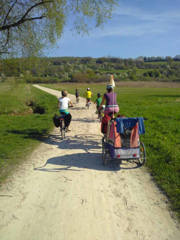 Fahrradtour mit Kindern www.chezmamapoule.com Bildrechte Ellen Girod-5