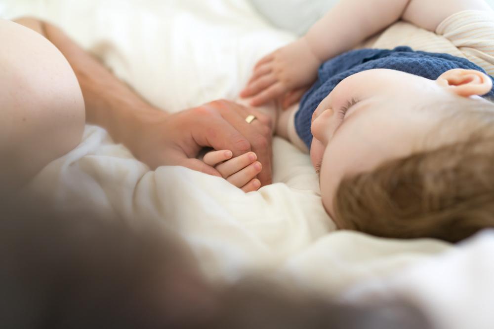 Einschlafbegleitung: Fünf Tipps von Vätern (plus ein Spickzettel)