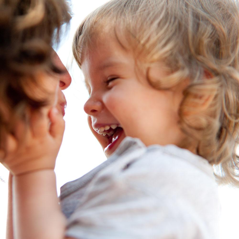 Curly Girl Methode für Kinder Spülung ohne Silikon Haare kämmen ohne Tränen www.chezmamapoule.com