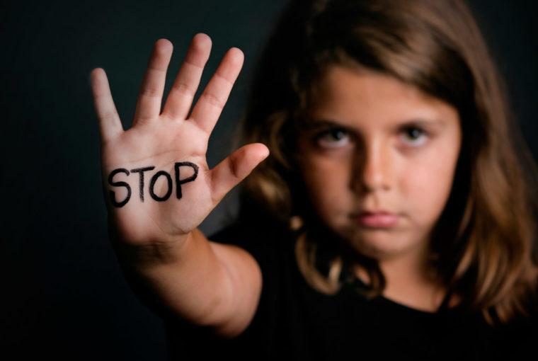 Gewalt an Kindern in der Schweiz- Jeder Klaps ist einer zu viel www.chezmamapoule.com_-2
