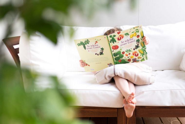 Realistische Bilderbücher: Wir stellen die besten Sommer-Kinderbücher vor. Sommerbücher für Kinder, Kleinkinder zu Hause, im Kindergarten oder Kita vor. Und realistisch, weil mit Montessori im Hinterkopf. Mehr unter: www.chezmamapoule.com