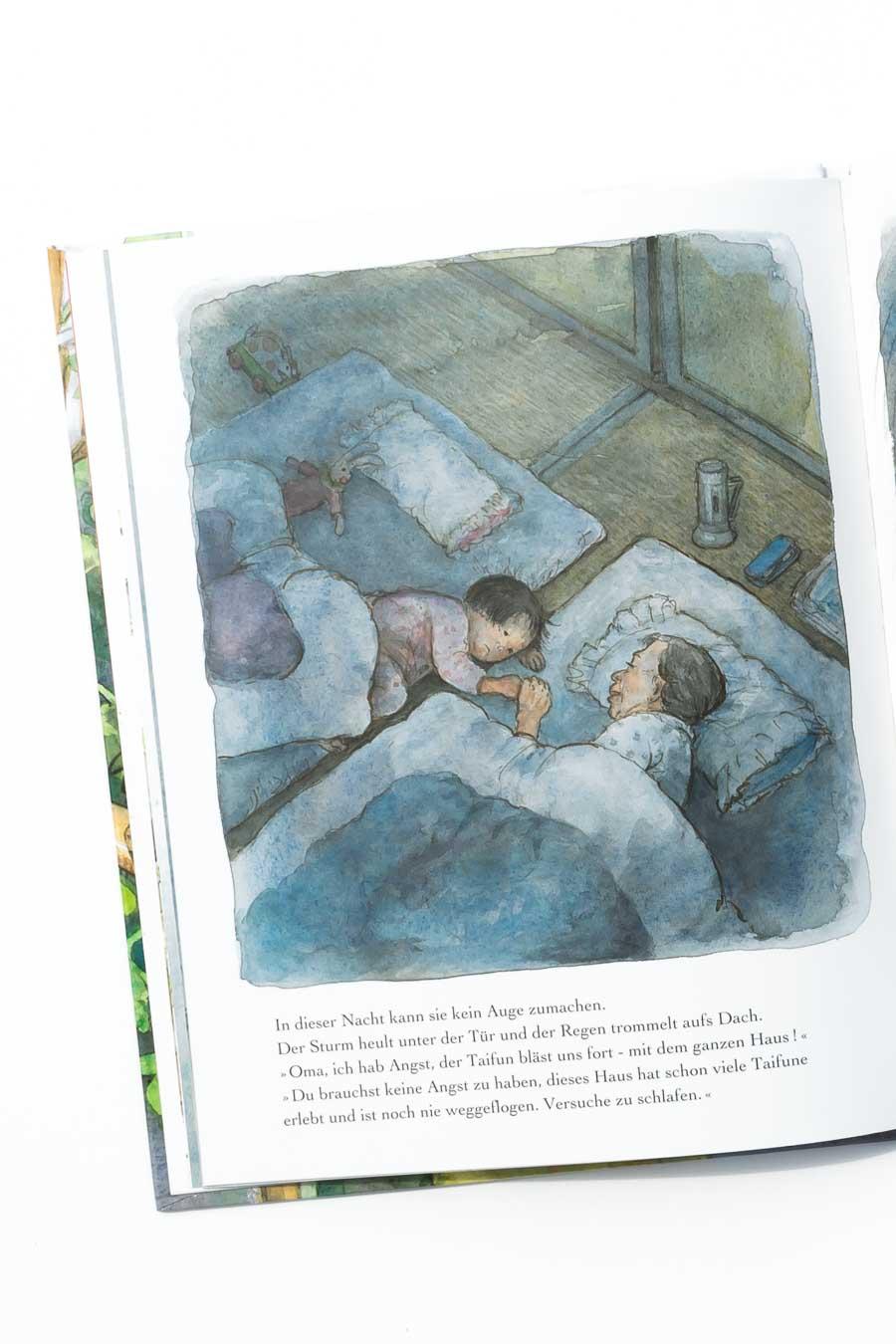 """Das Tomatenfest von Satomi Ichikawa. Ein Blick ins Buch sowie eine Buchrezension auf dem Blog """"Chez Mama Poule"""". Sommerbücher, Bilderbücher für Kinder, Bücher für Kita oder Kindergarten. Realistische Bilderbücher."""