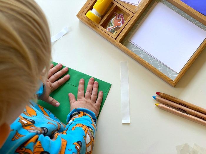 Briefe schreiben: Spielidee nach Montessori für die Jüngsten