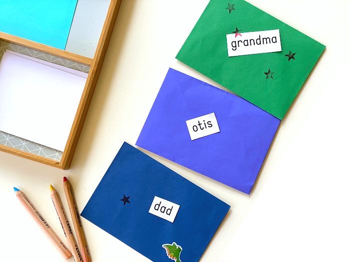 Schreiben lernen: Spielidee nach Montessori für die Jüngsten