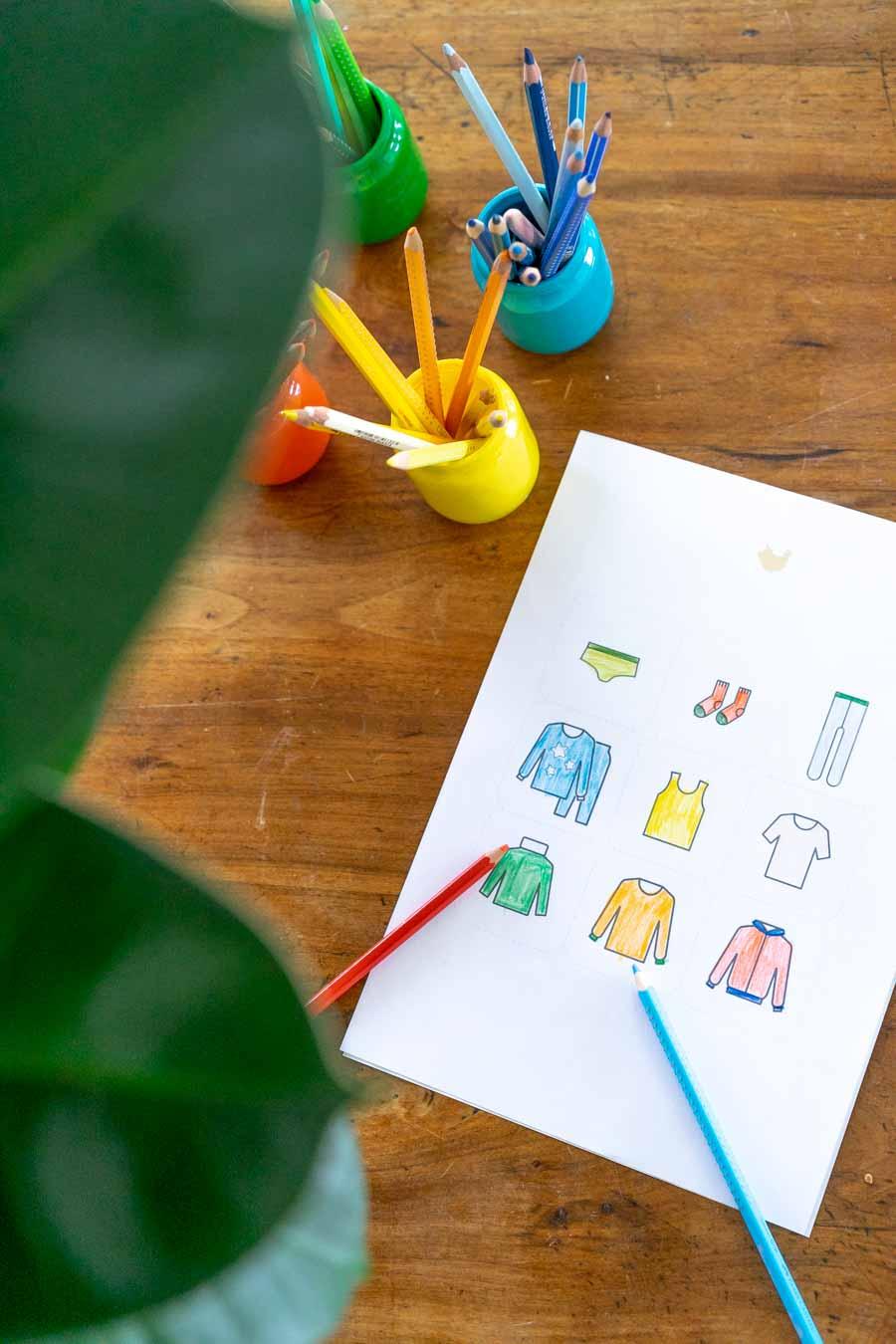 Ordnung halten im Kinderzimmer mit Ordnungsstickern zum downloaden